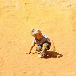 Boy Roussillon Provence France+