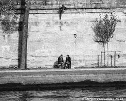 people talking Seine Paris